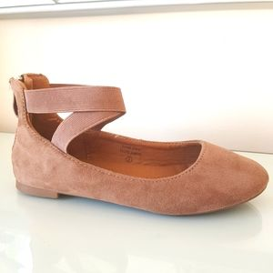 Girl's Taupe Ballet Flats